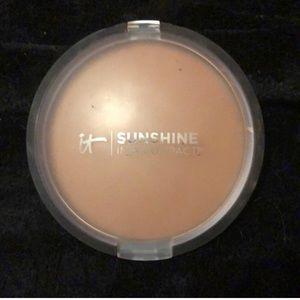 It cosmetics bronzer